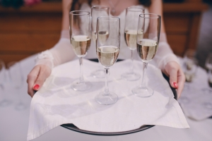 BAR àPART Serveert u champagne, cava of prosecco?